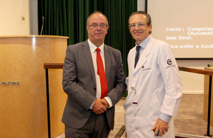 Sir David Nicholson e Dr Victor Nuldeman no Hospital Albert Einstein