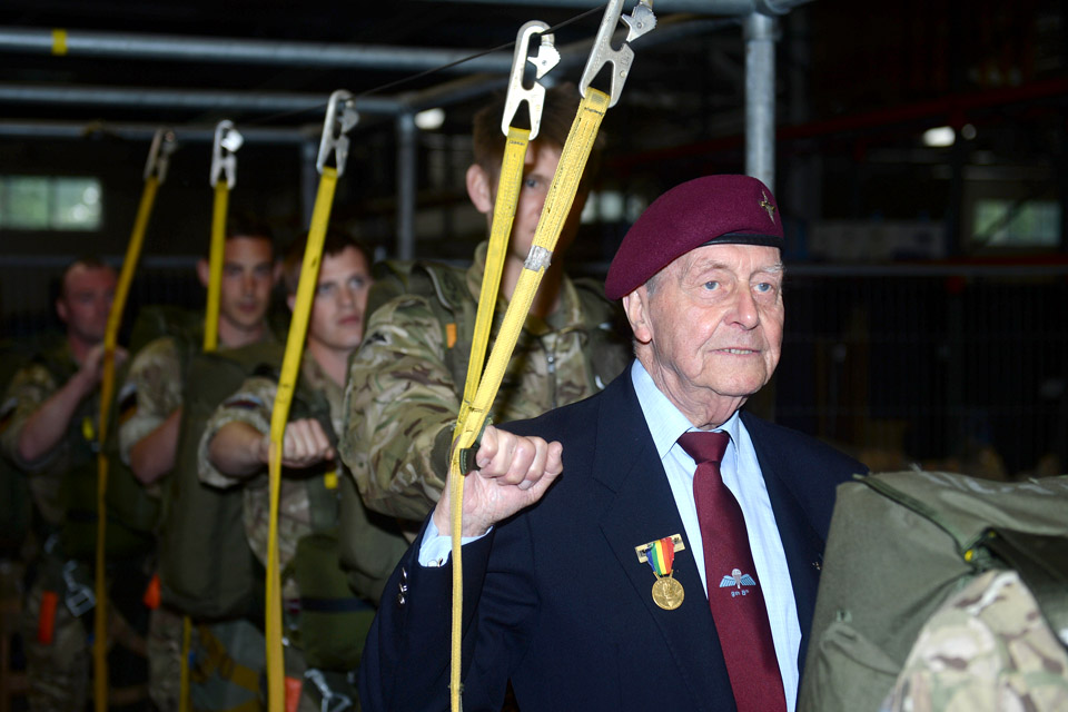 D-Day veteran Jeff Pattinson with present-day paratroopers