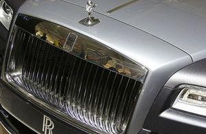 cropped Rolls Royce Wraith