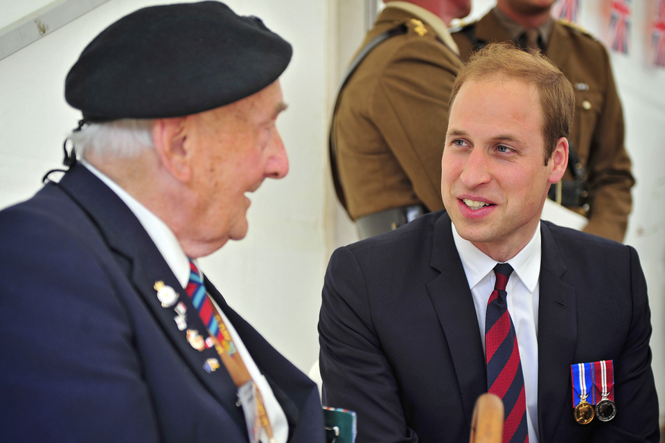 The Duke of Cambridge chats with a D-Day veteran