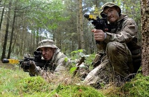 Two soldiers from 3 Scots on exercise [Picture: Corporal Barry Lloyd, Crown copyright]