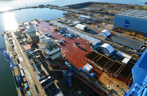 HMS Queen Elizabeth at the dockyard in Rosyth (library image) [Picture: Aircraft Carrier Alliance]