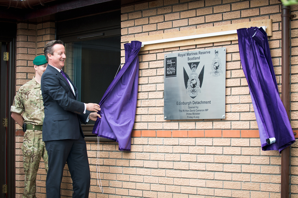 David Cameron unveils a plaque