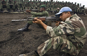 Members of the Indian contingent of the United Nations Organisation Mission in the Democratic Republic of the Congo (MONUC) train officers and soldiers of the Congolese Armed Forces