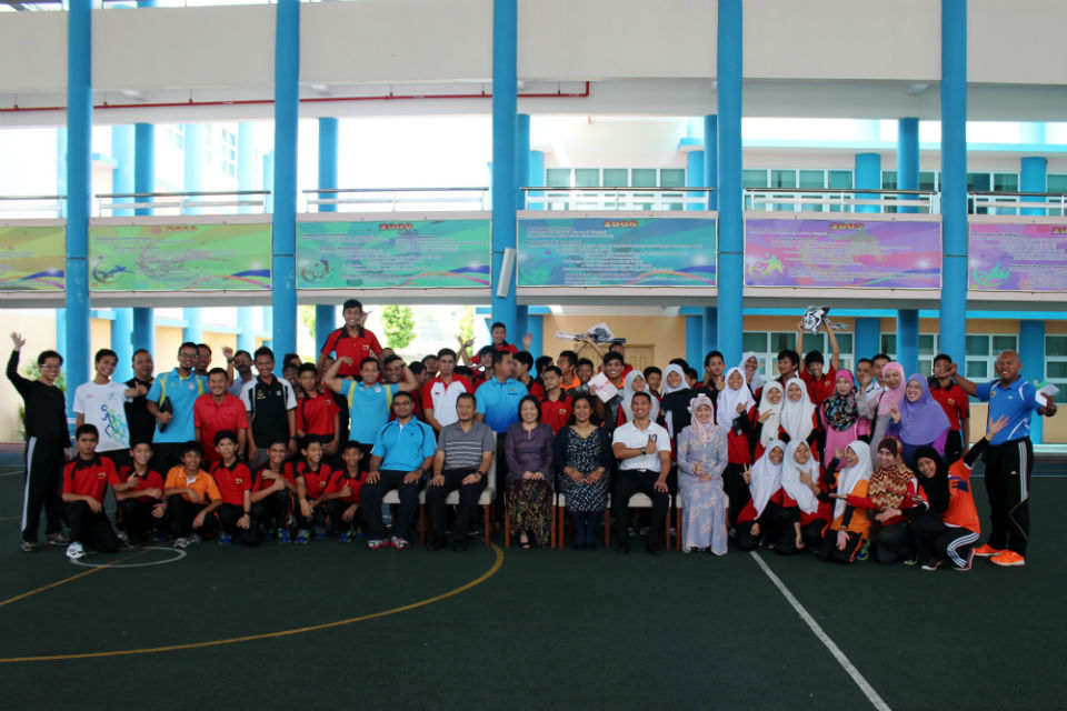 Acting High Commissioner Mrs Sunny Ahmed with staff and students involved in the event from the Brunei Sports School