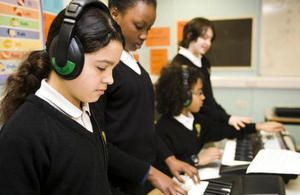 children playing keyboards