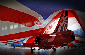 Unveiling of the Red Arrows 50th anniversary tail fin [Picture: Senior Aircraftman Adam Fletcher, Crown copyright]