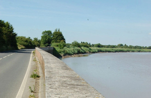 Epney flood wall