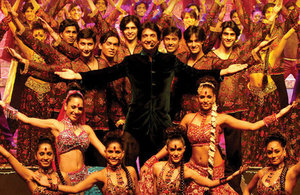 Shiamak Davar and his dancers on stage