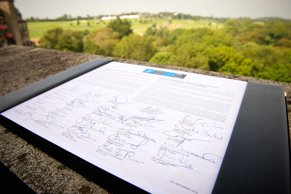 Armed Forces Declaration document with signatures from NATO heads of state and government.