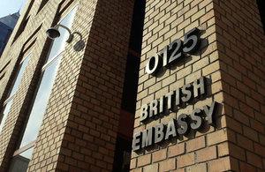 Edificio de la Embajada Británica en Santiago.