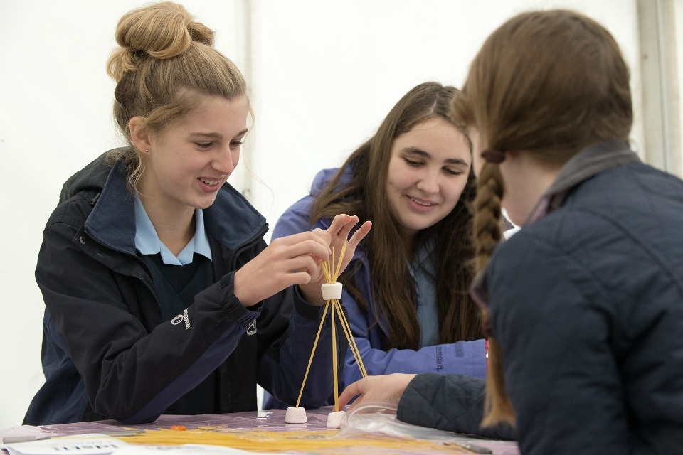 Students take part in an engineering challenge