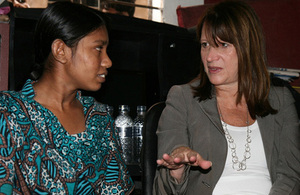 Lynne Featherstone met with Shabnaz, one of the girls who lives at Rahmat Camp.