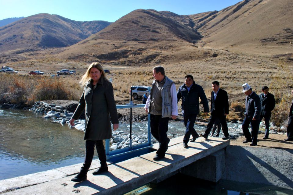 Ambassador visits the newly renovated canal
