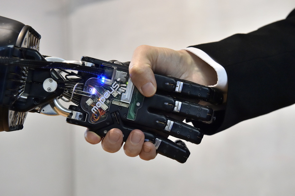 The Shadow Robot Company's amazing Dexterous Hand
