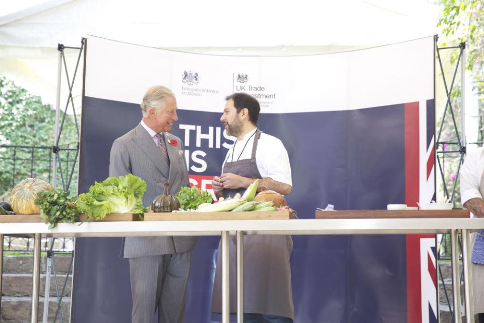 El Príncipe Carlos y Enrique Olvera