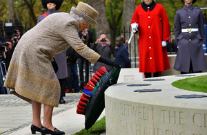 Her Majesty The Queen lays a wreath at the Memorial Garden [Picture: Sergeant Rupert Frere RLC, Crown copyright]