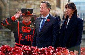 PM at the Tower of London poppy display