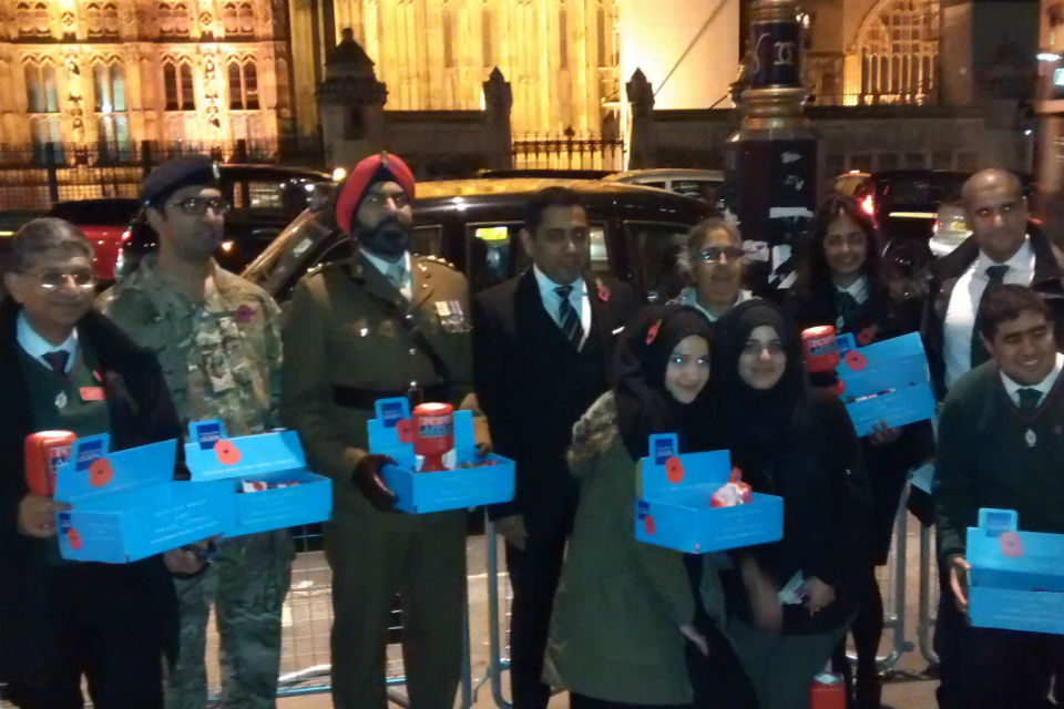 Lord Ahmad with Londoners collecting for We Remember Too