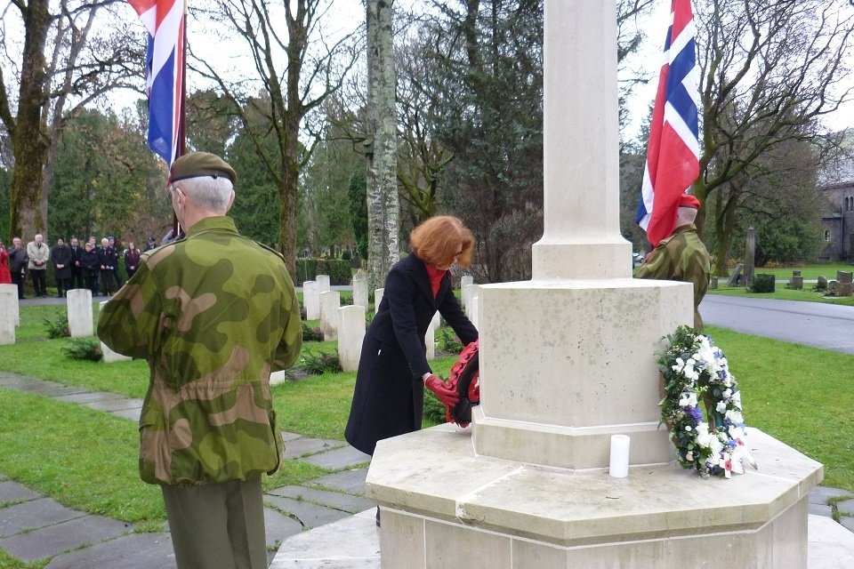 HMA lays wreath