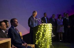 Discurso del Príncipe Carlos con jóvenes en Monterrey.