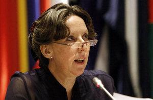 Embajadora Fiona Clouder.