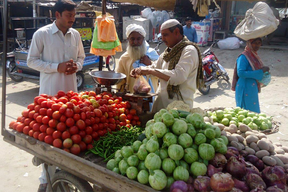 Faryal's father selling fruit and vegetable at the market. Picture: Punjab Education Foundation