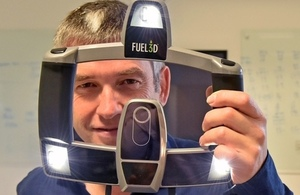 An image of Stuart Mead, CEO of Fuel 3D with the 3D scanner
