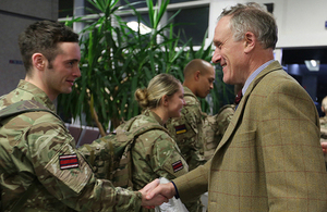 Julian Brazier wishes Reservists good luck at RAF Brize Norton