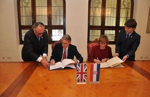 UK Foreign Secretary discussed EU reform, regional stability, energy, Russia on visit to Zagreb