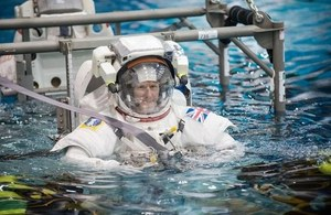 Tim Peake, spacewalk training.