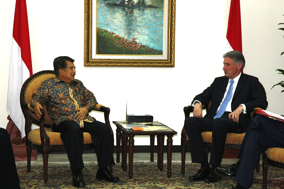 UK Foreign Secretary Philip Hammond MP with Indonesian Vice President Jusuf Kalla