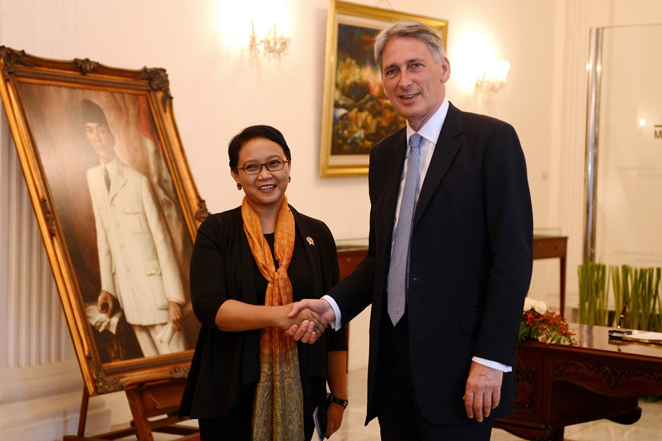 UK Foreign Secretary Philip Hammond MP with Indonesian Foreign Minister Retno Marsudi