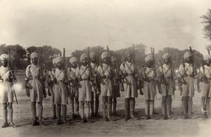 soldiers at Neuve Chapelle