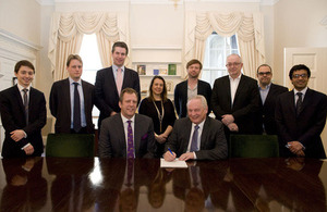Minister for the Cabinet Office, Francis Maude with representatives of Crown Hosting Data Centres and Ark Data Centres Limited