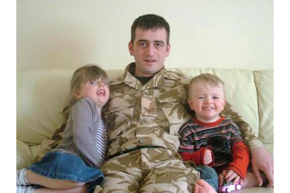 Corporal Barry Dempsey with his children (All rights reserved.)
