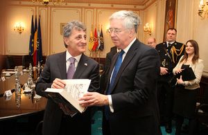 Michael Fallon with Romanian Defence Minister Mircea Dusa