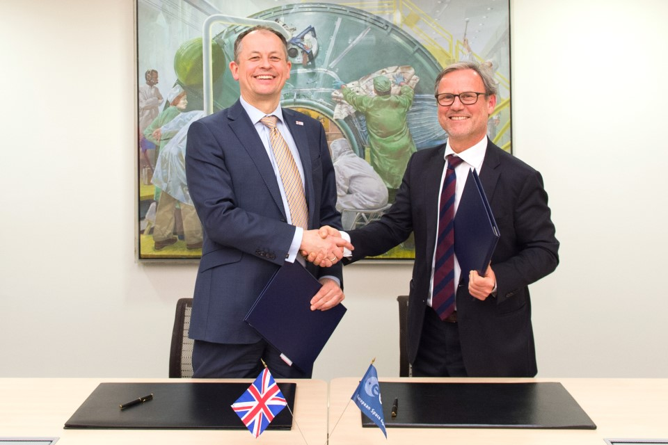 Signature of ESA/UK Collaborative Ground Segment Cooperation agreement.
