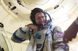 Tim during training in the Soyuz TMA simulator.