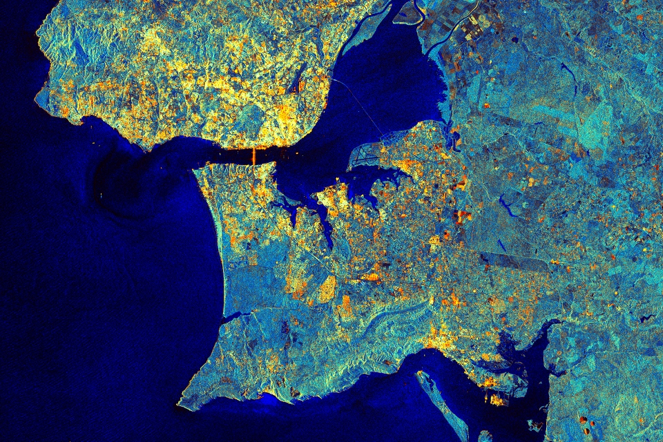 This image from Sentinel-1A's radar shows the metropolitan area of Portugal's capital, Lisbon. Copernicus data/ESA (2014)