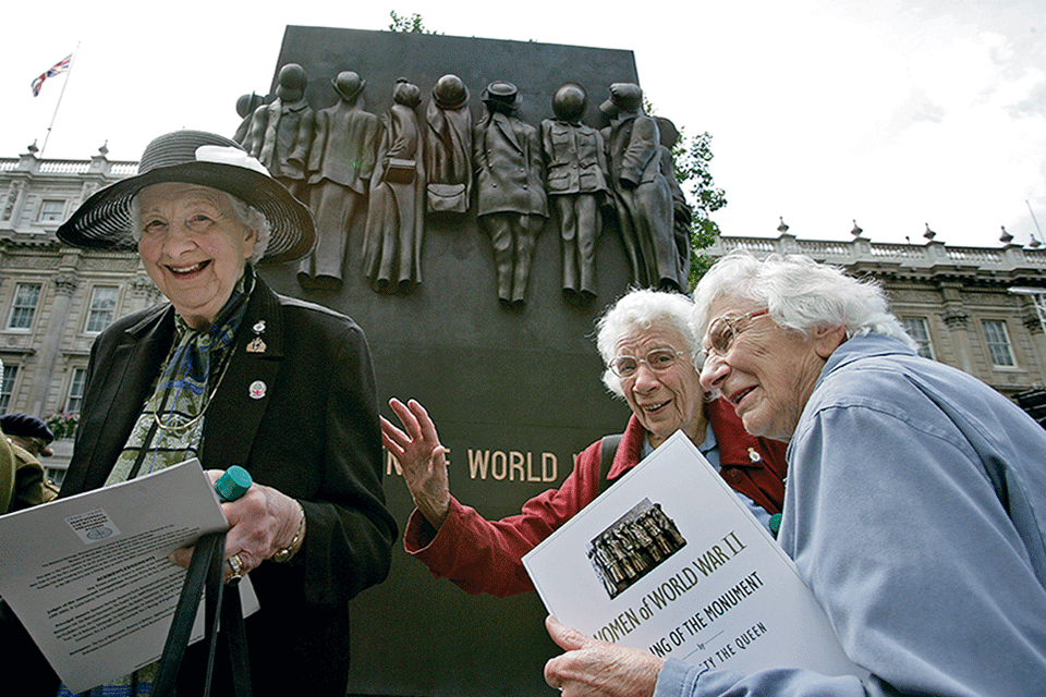 Women in war monument