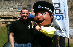 Martin Root with TVP mascot
