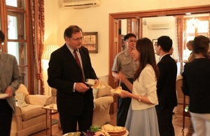 Afternoon tea for Korean medical personnel who went to Sierra Leone in the battle against Ebola.