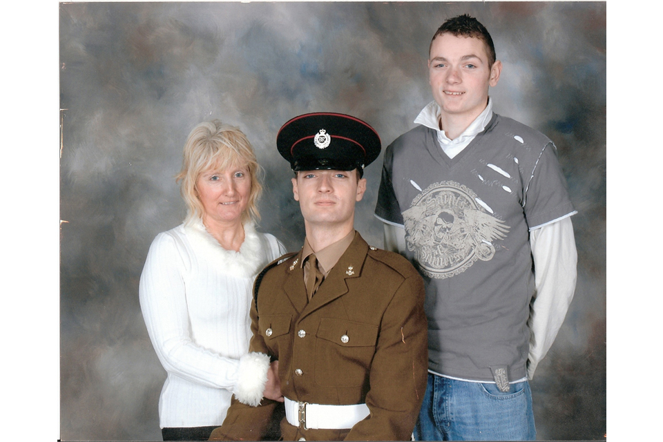 Sapper Daryn Roy with his mother Carol and brother Terry (All rights reserved.)