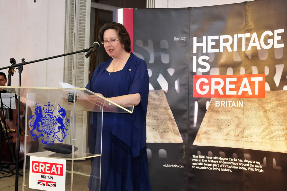 HMA Fiona Clouder delivering speech about Magna Carta at the QBP celebration in Santiago.