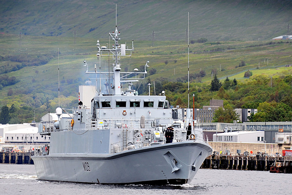 HMS Bangor departs Faslane