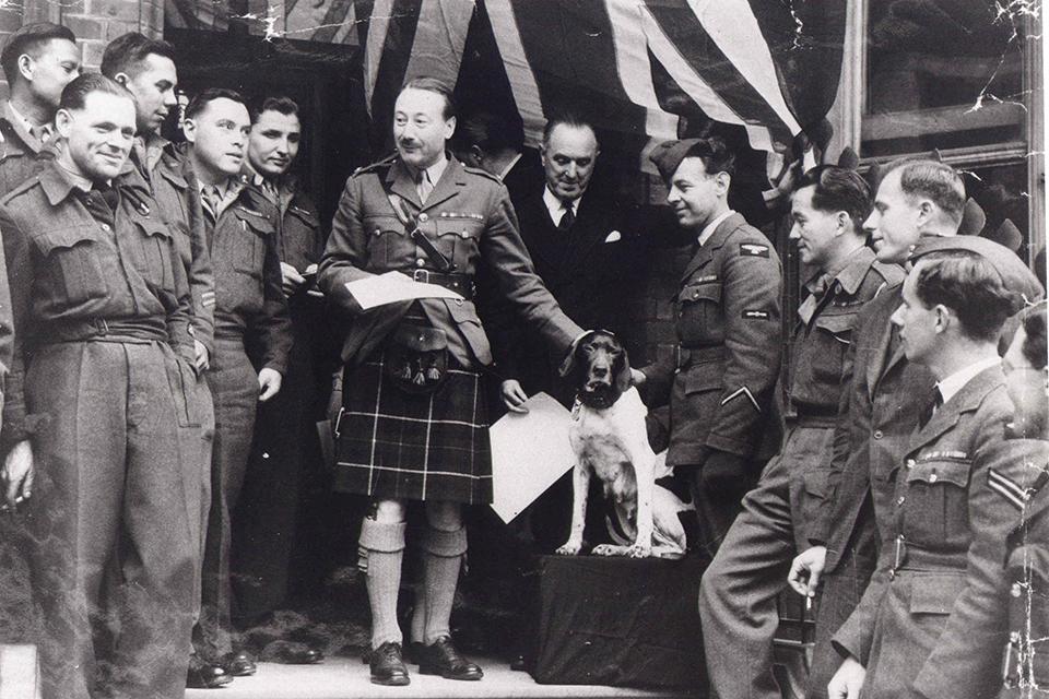 Judy receiving her PDSA Dickin Medal in 1946 [Credit: PDSA]