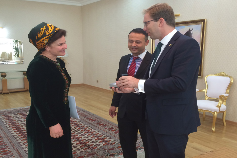 Mr Tobias Ellwood with Turkmen Vice Premier