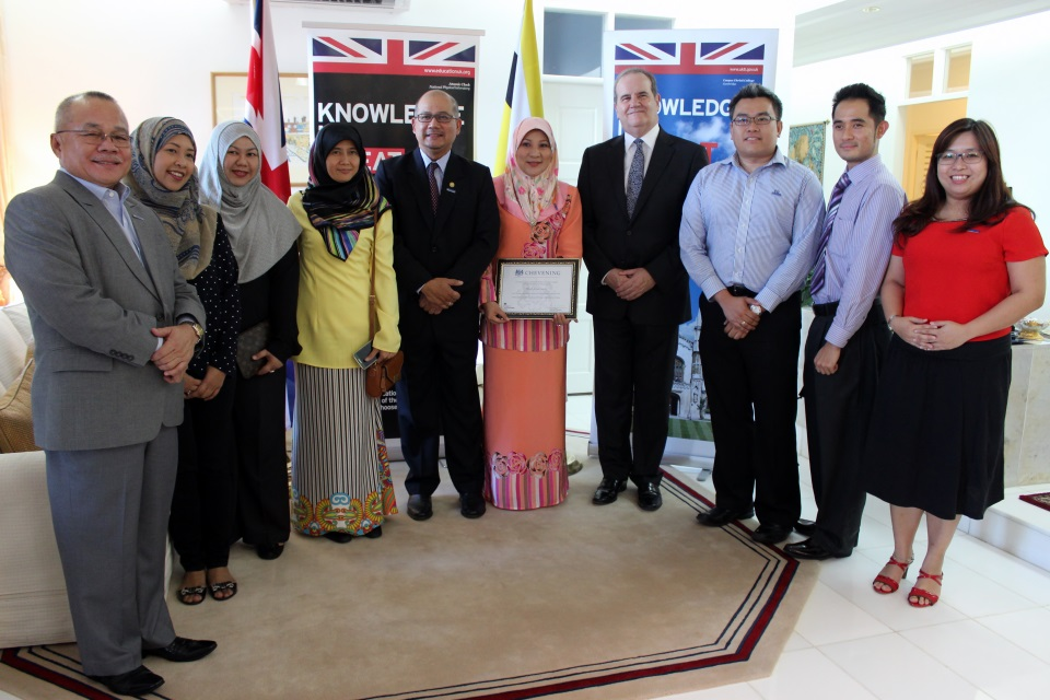 British High Commissioner David Campbell with Senior Superintendent Dinah and Brunei Chevening Alumni