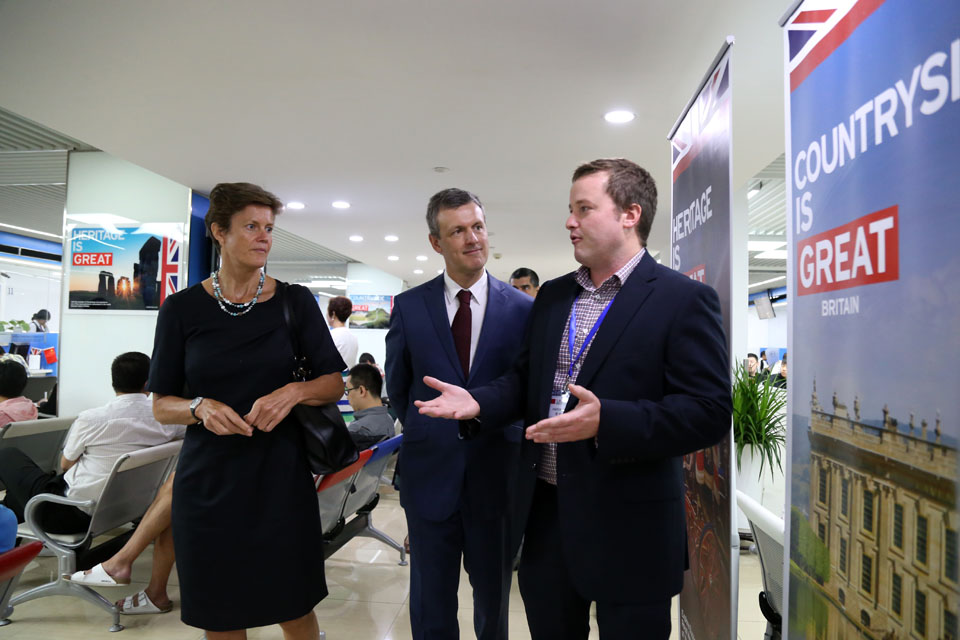 The UK and Belgian Ambassadors were given a tour of the centre to find out more about the new UK-Belgian Visitor Service.